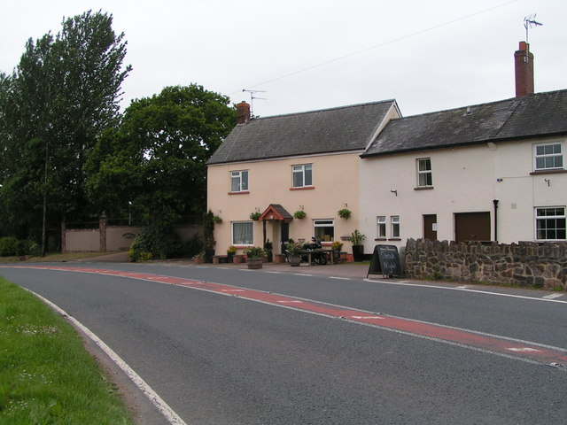 Houses on the B3181