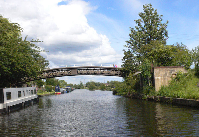 Footbridge over Broad Cut