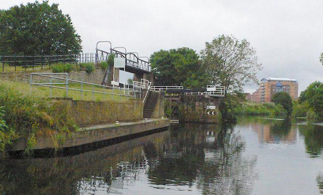 Fall Ing Lock from river below lock
