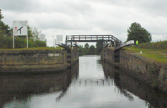 Thornes Flood Lock from below