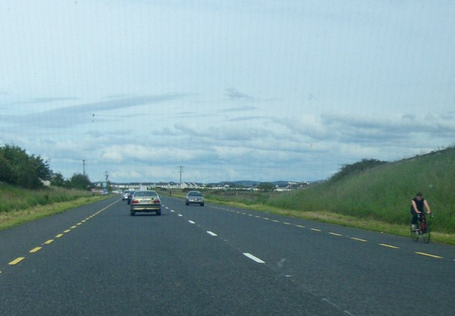 Long straight stretch of the N15 Road