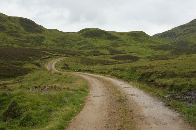 Track to Fearlar Lodge