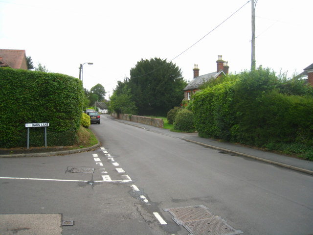 Barn Lane / Hill Road