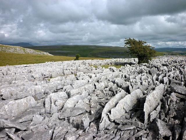 Broken limestone, Clapdale Scars