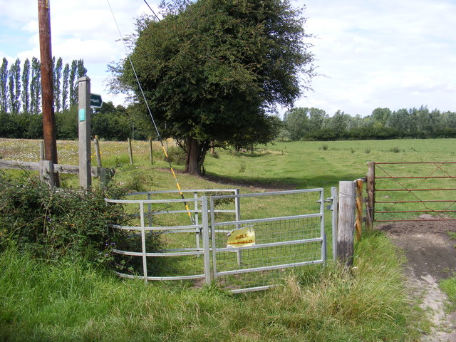 Footpath & Kissing Gate to Lower Road