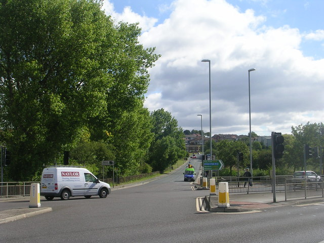 Tong Road - viewed from Farnley Ring Road