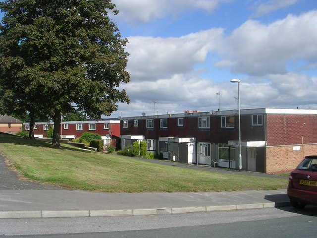 Stonecliffe Close - Stonecliffe Crescent