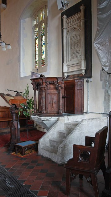 St Lawrence, Alton - Pulpit