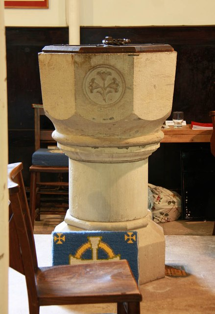 St Mary of the Assumption, Froyle - Font