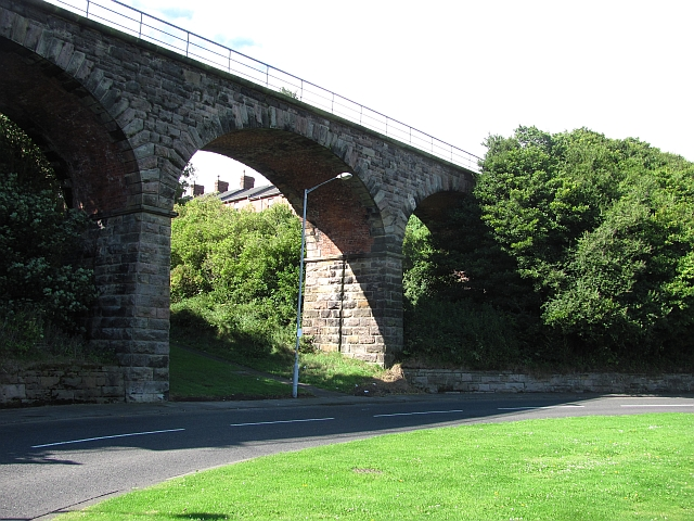 Viaduct above Dock Road