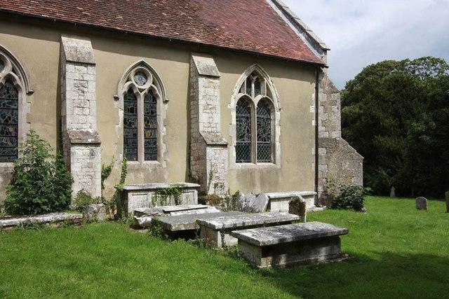 St Mary of the Assumption, Froyle - Churchyard