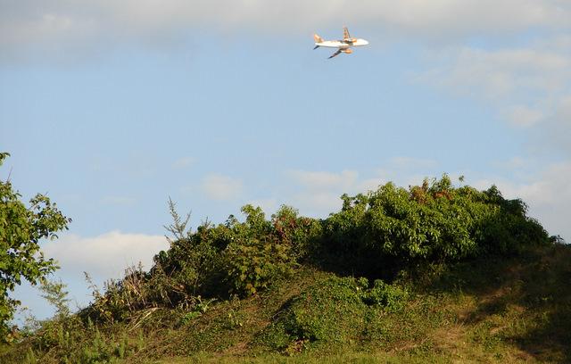 easyJet plane over Bishops Stortford Castle