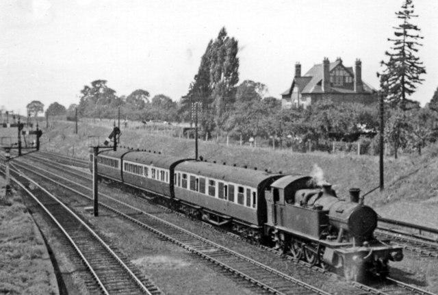 Gloucester - Cheltenham local train approaching Churchdown