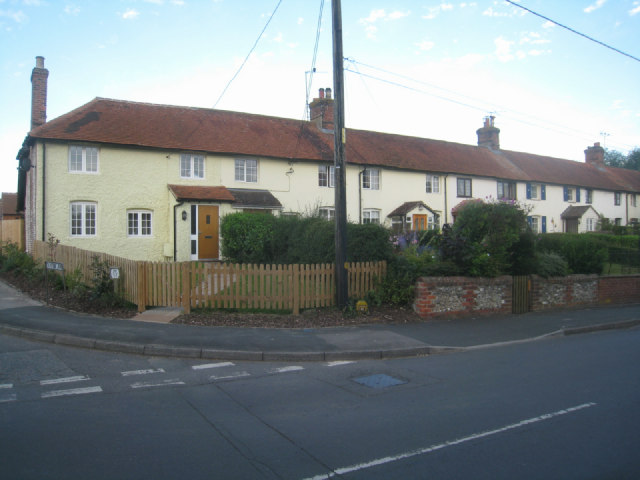 Cottages on Hill Road