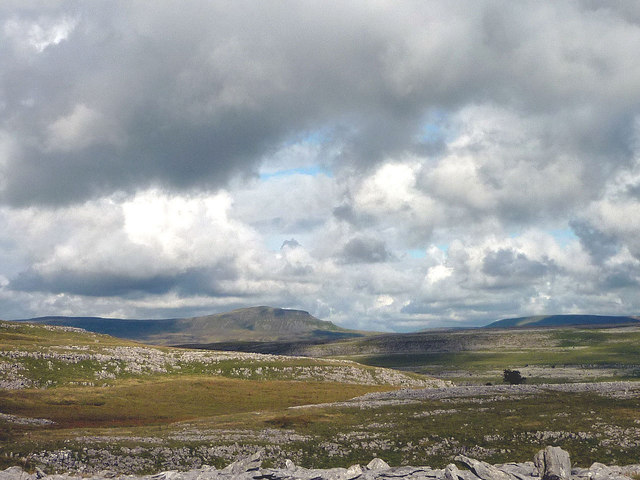 The limestone upland of Clapdale Scars