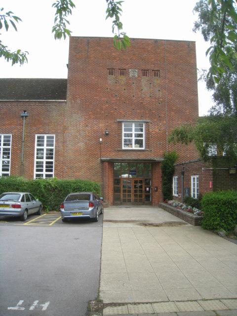 Main entrance - The Vyne school
