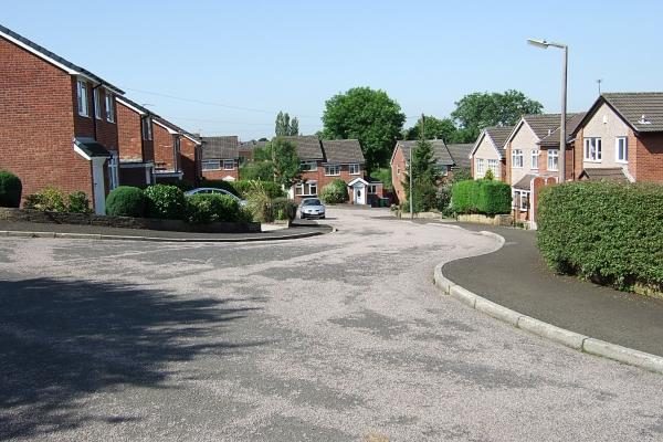 Stock Grove towards Weir Road