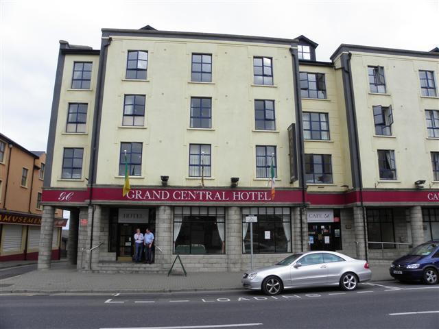 Grand Central Hotel, Bundoran, Ireland - tonyshirley.co.uk