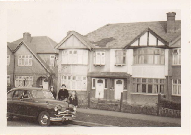 Houses 10, 8, and 6 Elmbridge Avenue, Tolworth