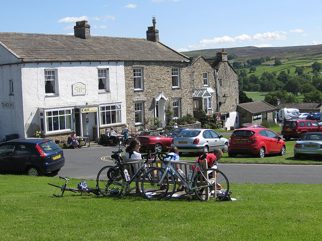 Cyclists resting at Reeth