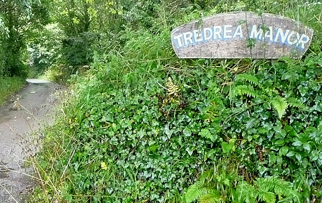 Bridleway towards Tredrea Manor