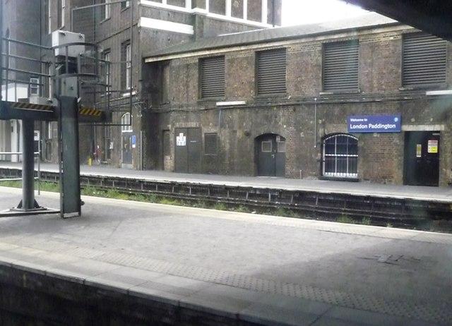 London : Westminster - Paddington Railway Station