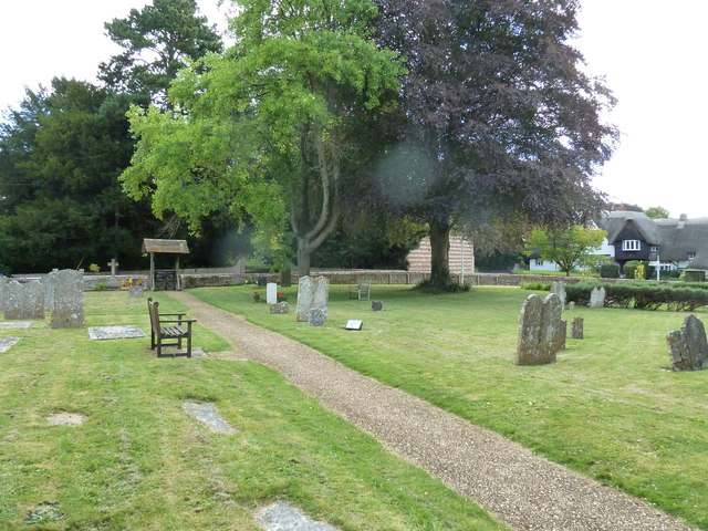 St. Mary the Less, Chilbolton: churchyard (III)