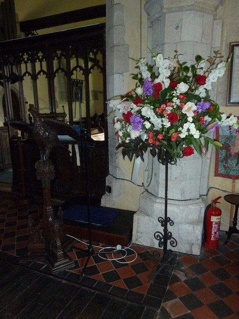 St. Mary the Less, Chilbolton: floral display
