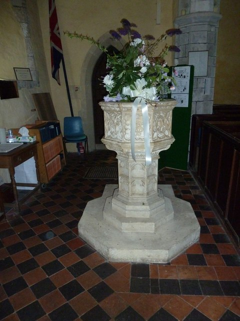 St. Mary the Less, Chilbolton: flowers on the font