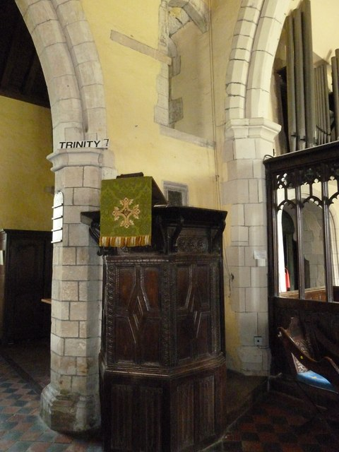 St. Mary the Less, Chilbolton: pulpit