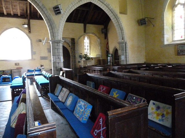 St. Mary the Less, Chilbolton: nave