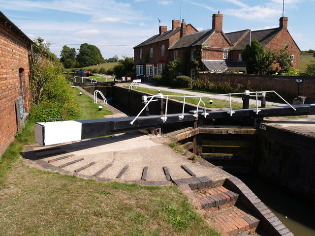 Lock No.1 and Canal House at Braunston, Grand Union Canal