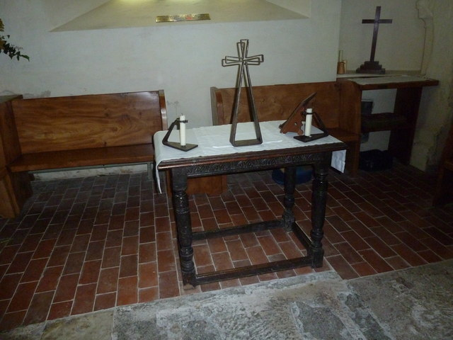 Nether Wallop- St Andrew's: simple side altar