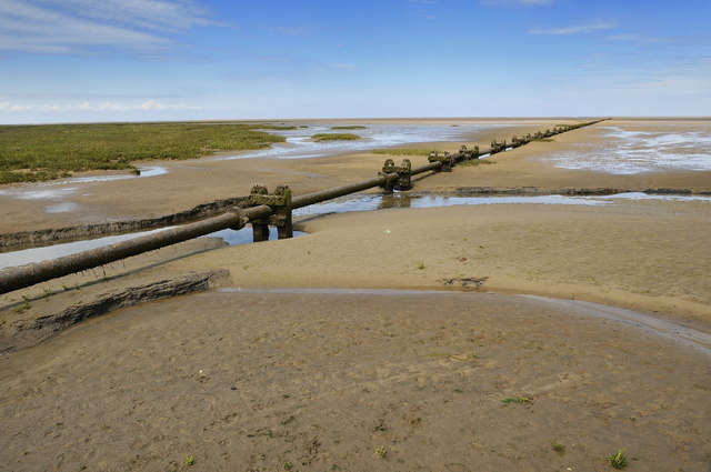 Disused outflow pipeline, Stiffkey