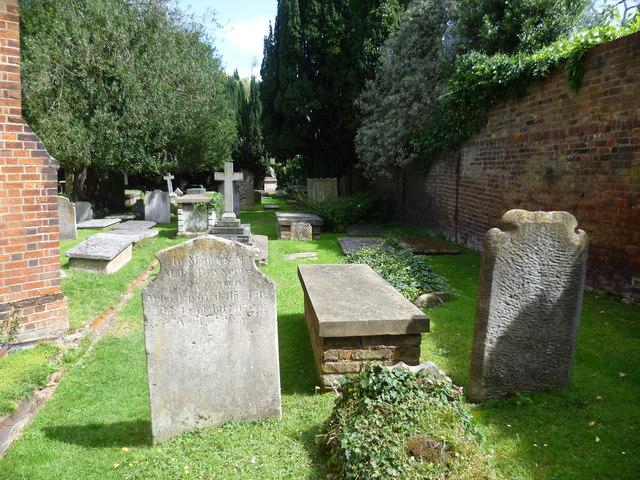 St Peter's Churchyard, Petersham