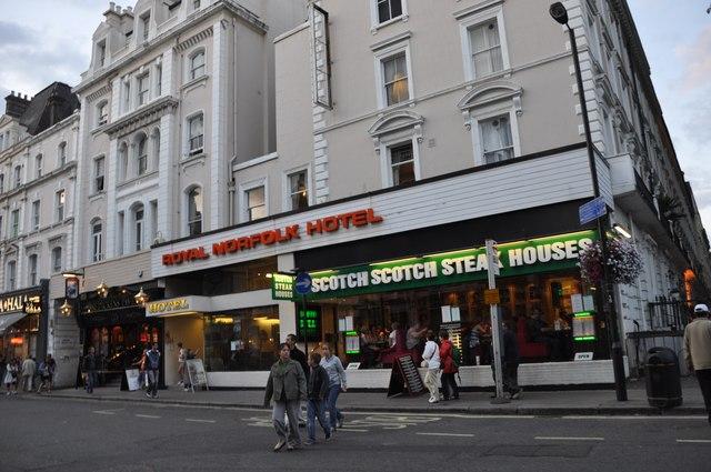 London : Westminster - Businesses on London Street