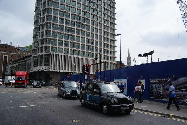 Upgrading Tottenham Court Road station