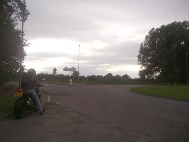 Roundabout on the B175, Passingford Bridge