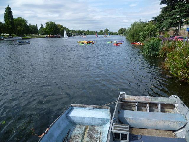 River Thames alongside Lower Ham Road