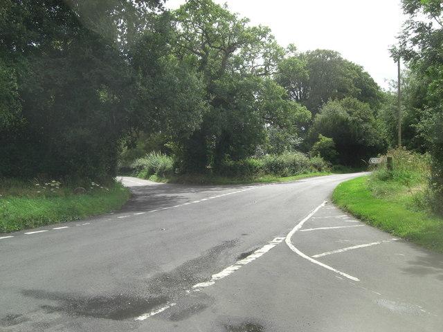 B3046 crossroads