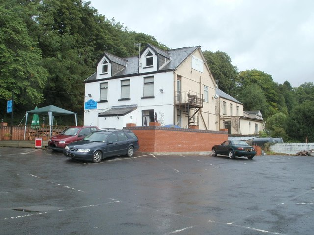 The Dinas Inn and car park, Pontneddfechan