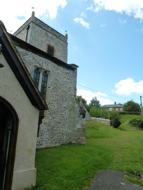 Nether Wallop- St Andrew's: the churchyard in August (1)