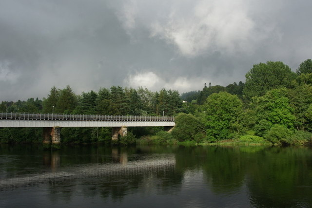 Bridge over the Tay at Perth and Moncrieffe Island