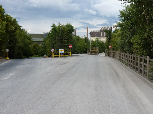 Entrance roads at Leaton Quarry