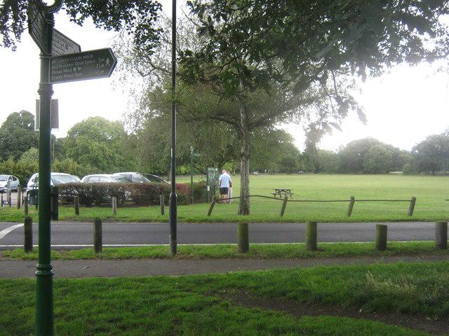 The Green Chain Walk crosses Longleigh Lane