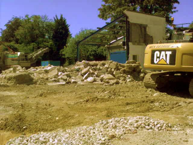 Demolition of tyre centre
