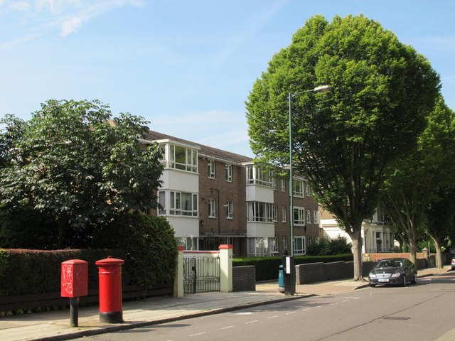 Flats in Brondesbury Road, NW6