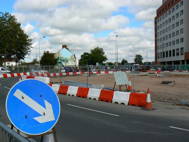 Whale Bridge Roundabout, Swindon August 2011 (2 of 2)