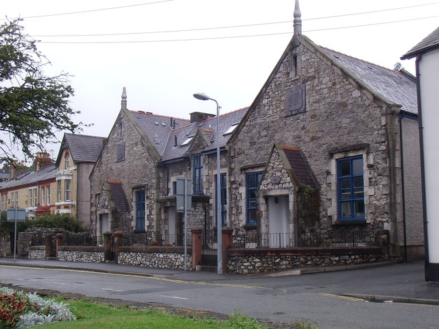 The old Garth Road British School, Bangor