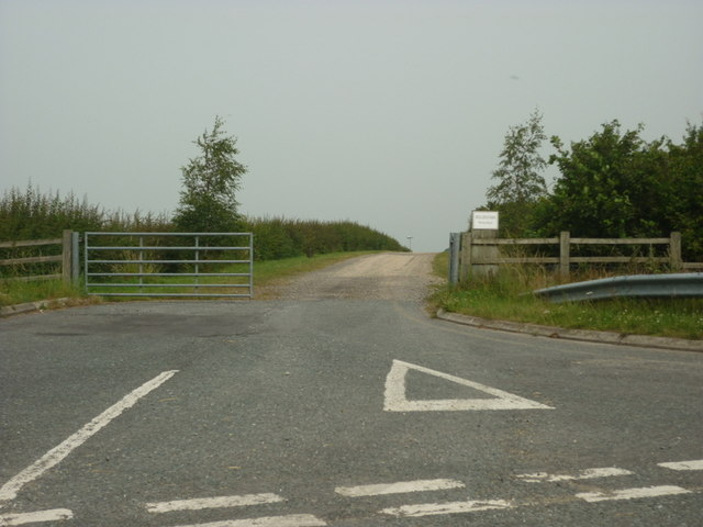 The way to Hollins Farm